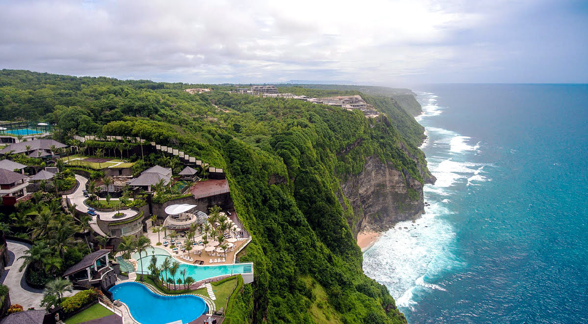 Hotels with infinity pools-rooftop swimming-The Edge Bali Villa