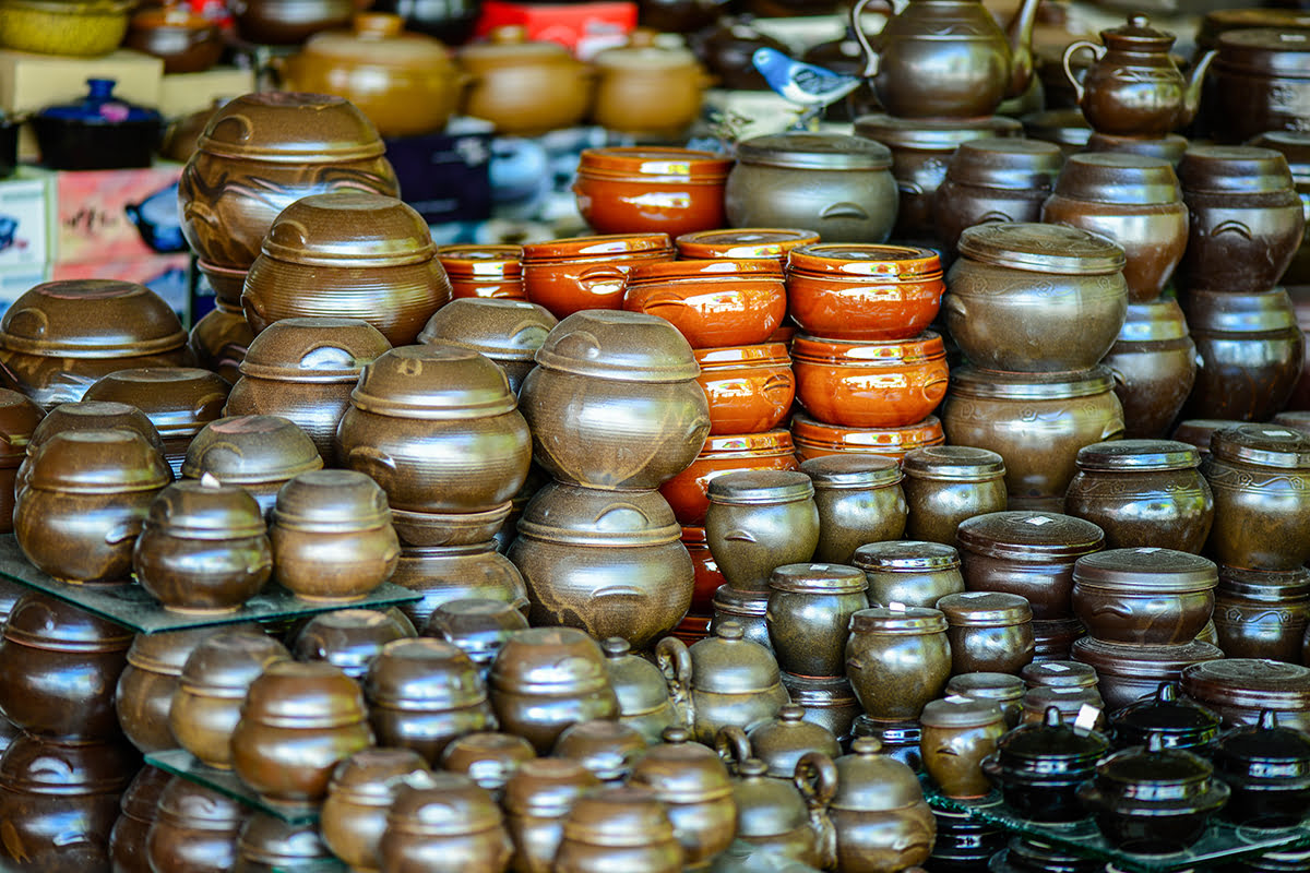 Insadong-things to do-Seoul-art-antiques-potters