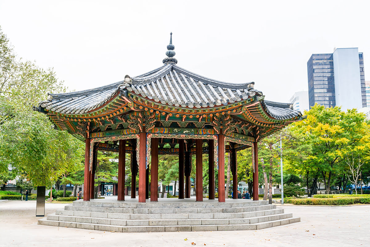 Insadong-things to do-Seoul-Tapgol Park