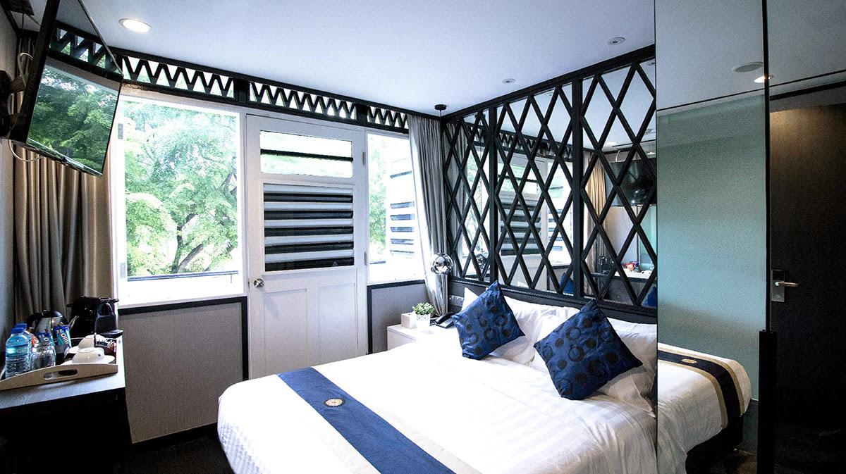 Black and white theme hotels-Hotel NuVe Urbane Lavender-Singapore