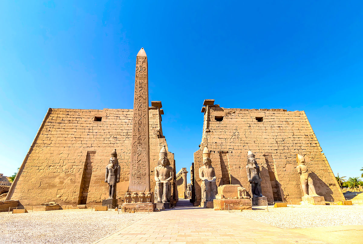 Top Attractions In Egypt Nile Cruises Pyramid Tours A Desert Oasis