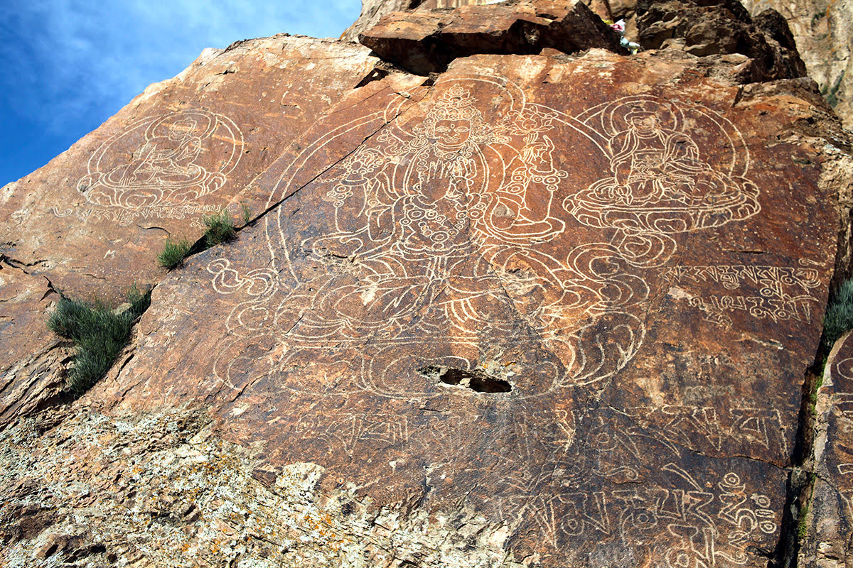 Things to do in Kazakhstan-Tamgaly-petroglyphs