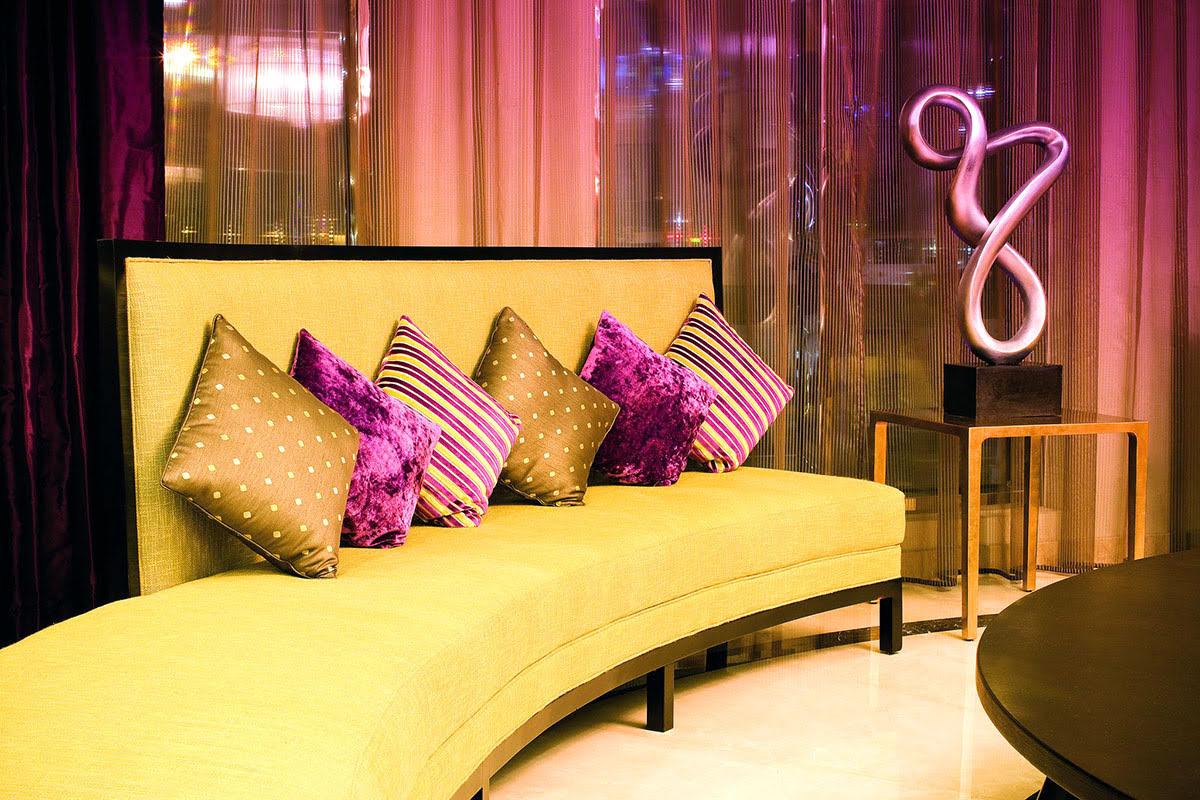 Hotels in Dubai-shopping-UAE-Avani Deira Dubai Hotel