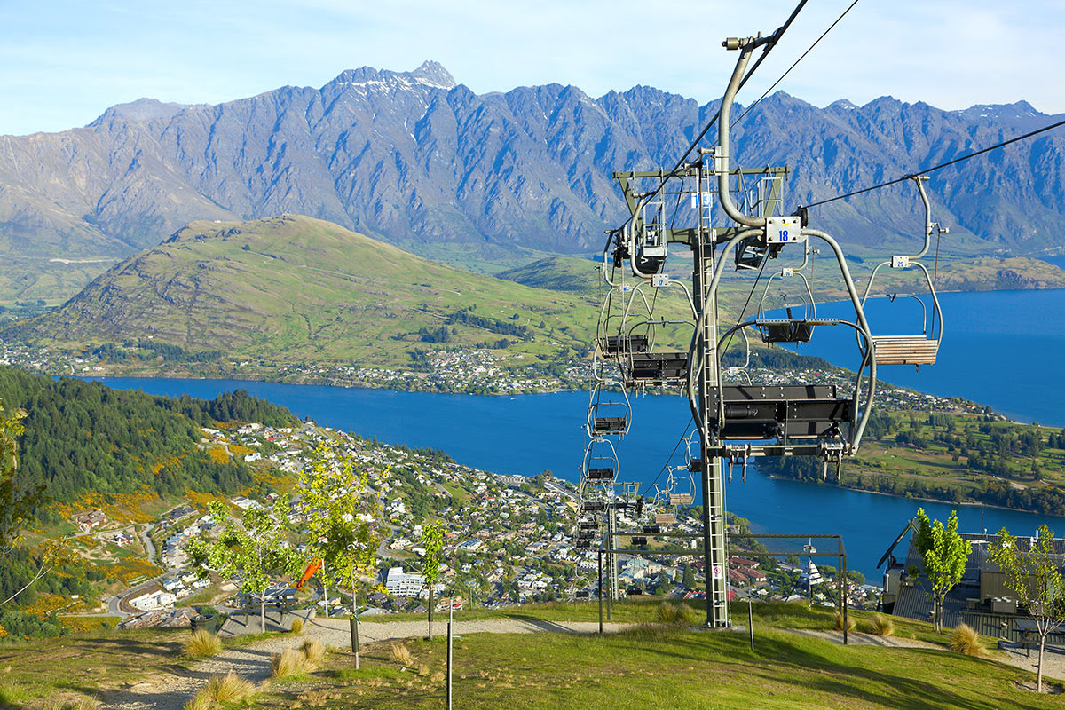 Best graduation trips-cheap summer vacations-Haka-Skyline gondola-Queenstown-New Zealand