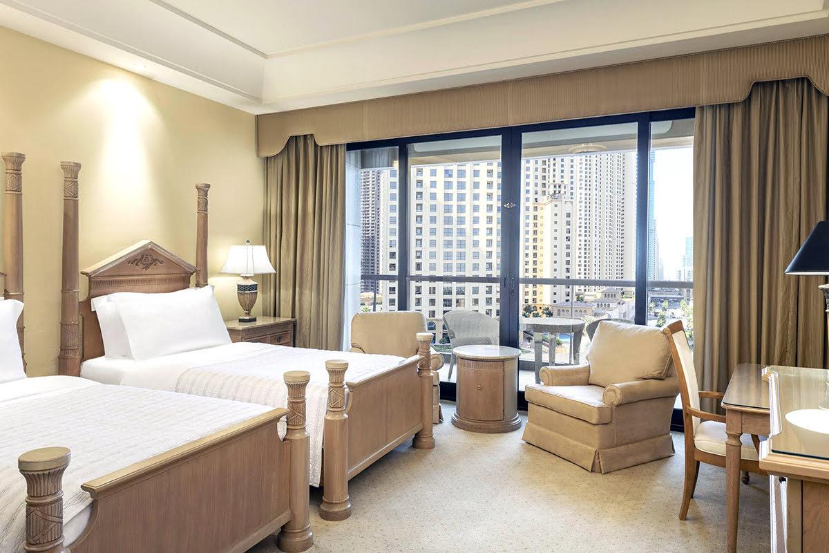 Skydive Dubai-UAE-Le Royal Méridien Beach Resort & Spa