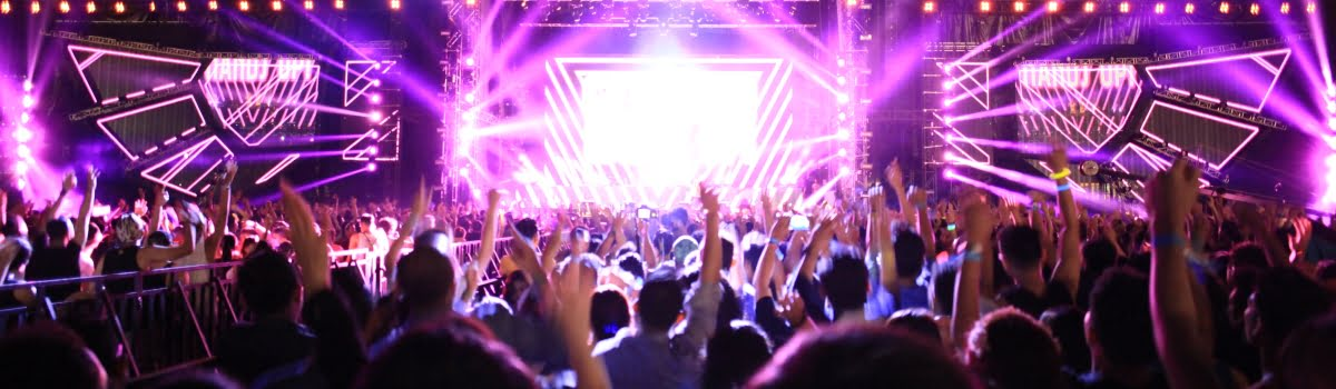 music festivals 2020-Featured photo (1200x350) The atmosphere of fun outdoor concert
