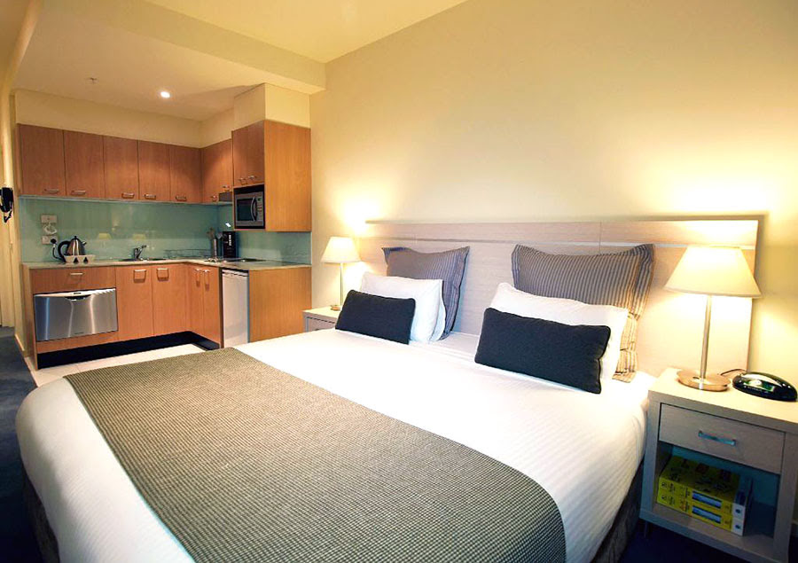 Hotels in Melbourne-shopping-Australia-Oaks on Lonsdale Apartments