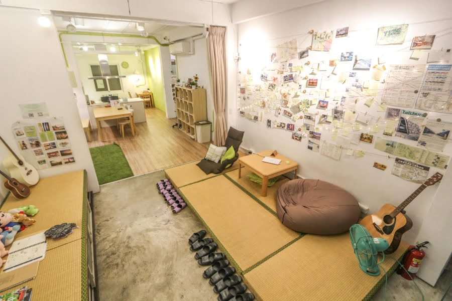Hotels in Taichung-Taiwanese food-what to eat-T-Life Hostel