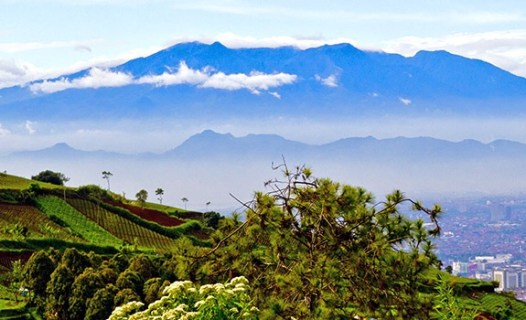 Free Travel Guide For Bandung Indonesia What To Do In Bandung