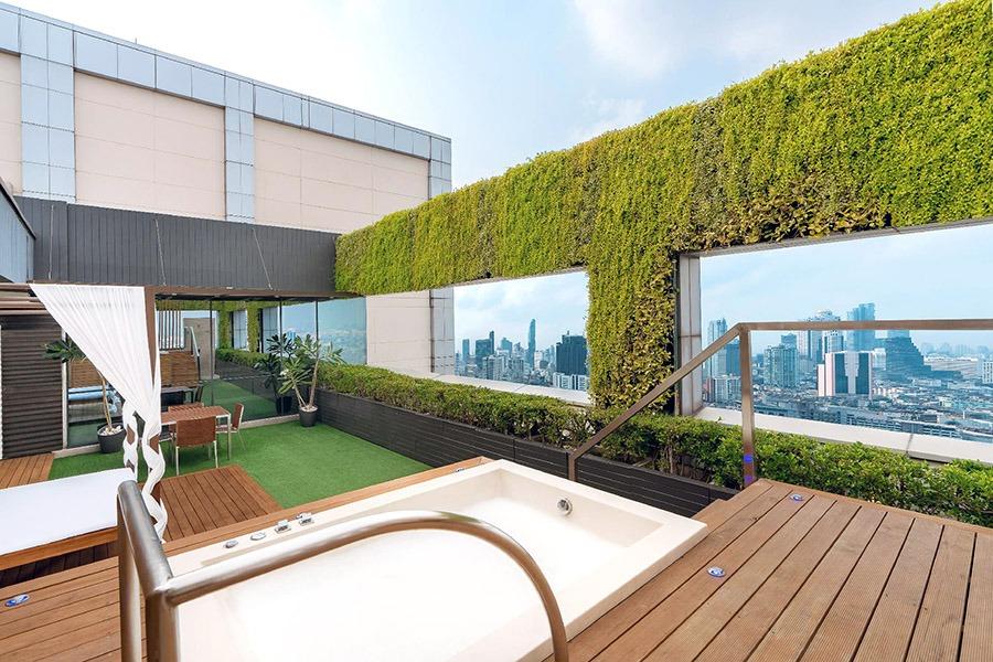 Agoda-guaranteed hotels-vacation rentals-where to stay in Bangkok-Pathumwan Princess Hotel