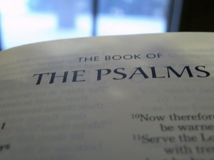 praising Christ the King in the sweetness of His virtues and in praising the queen! (the Psalms) [picture source: thoughts on grace, the Psalms]