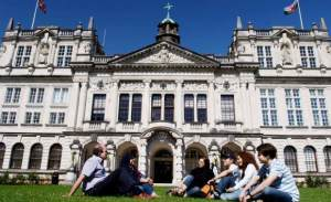 being a christian student on the campus - take care of the Lord first and make a schedule! [in the picture: Cardiff University, Wales]
