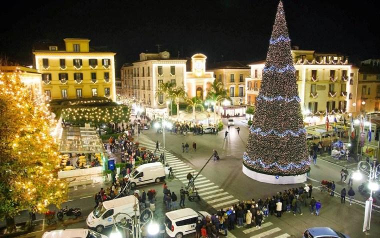 """Natale a Sorrento, presentazione degli eventi di """"Sorrento Incontra – M'illumino d'Inverno"""""""