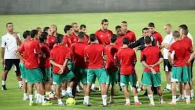 """Photo of لاعبو المنتخب المغربي يبخّرون حلم البرازيل بأداء """"غير مفهوم"""" وينهزمون بتنزانيا"""
