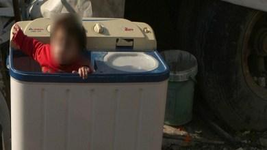 Photo of إهمال زوجين يقتل طفليهما بطريقة مريعة