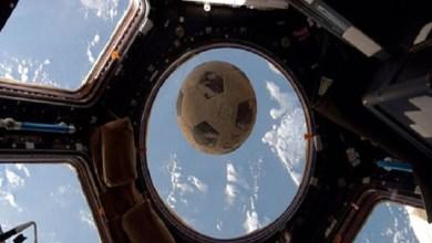 Photo of كرة ترتطم بزجاج المحطة الفضائية الدولية بعد أن ظلت تسبح 30 عاماً في الفضاء
