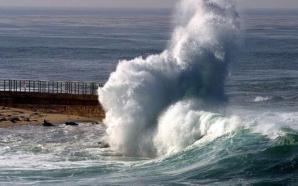 المغرب: أمواج عالية ما بين 4 و6 أمتار على الواجهة…
