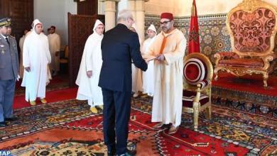Photo of الملك يستقبل عددا من السفراء الأجانب
