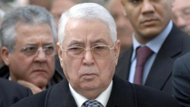 Photo of الجزائر.. تنصيب رئيس مجلس الأمة عبد القادر بن صالح رئيسا للدولة لمدة 90 يوما
