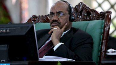 Photo of وزير الدفاع السوداني يعلن عن تنحية الرئيس عمر البشير