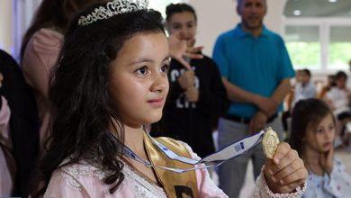 Photo of فوز الطفلة المغربية فردوس بوزريوح بتحدي القراءة العربي في ألمانيا