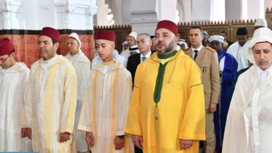 Photo of أمير المؤمنين يؤدي صلاة عيد الأضحى المبارك بمسجد الحسن الثاني بتطوان