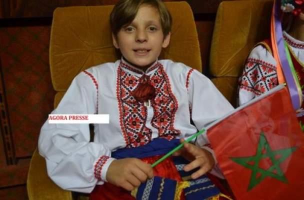 Photo of بالصور: أطفال أوكرانيا وروسيا وفلسطين وتونس فخورين بزيارة المغرب وحمل علمه الوطني