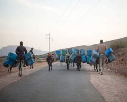 Photo of يومية لوموند: اندلاع حرب البنزين بالحدود المغربية الجزائرية