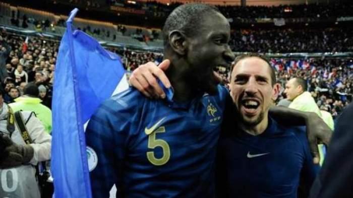 Photo of لاعب ليفربول الانجليزي يرسل والده إلى مكة المكرمة من اول راتب