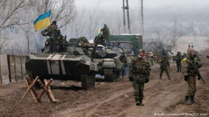 Photo of كييف تتهم روسيا بنقل دبابات وأنظمة مدفعية إلى المتمردين شرق أوكرانيا