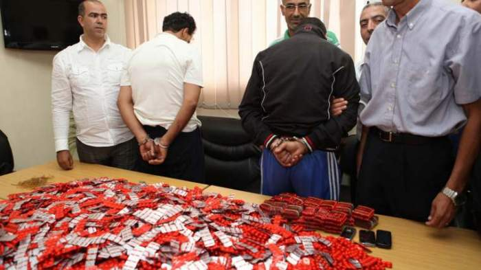 Photo of إدانة صيدلي بسنتين سجنا نافذا وسحب رخصته بعد ضبط 300 قرص مهلوس بصيدليته