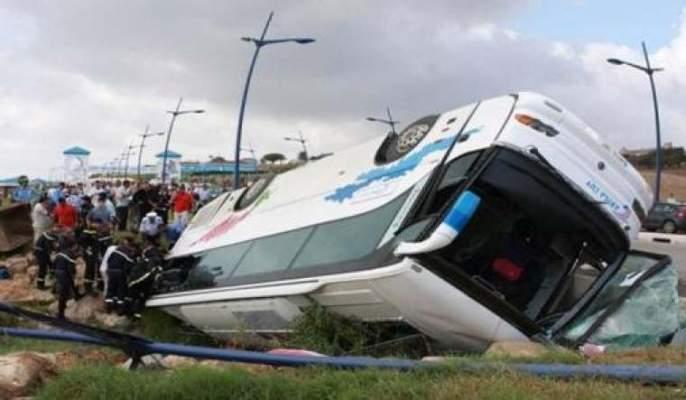 Photo of عاجل ..حافلة لنقل المسافرين تقتل شرطيا للمرور وهو يحرر مخالفة وتصيب آخر