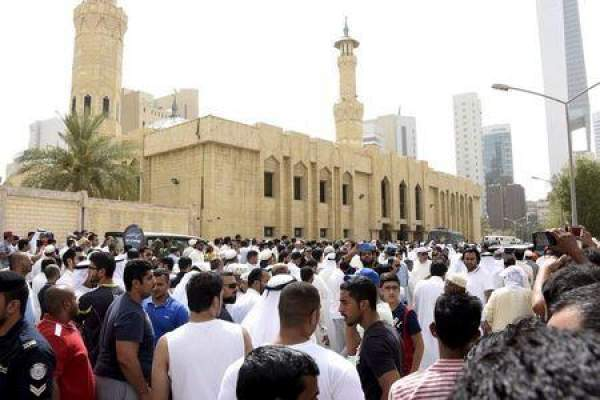 Photo of انتحاري من داعش  يقتل 10 في مسجد للشيعة بالكويت