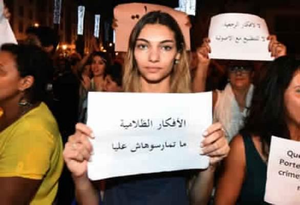 Photo of محكمة اكادير تبرئ شابتي انزكان من تهمة خدش الحياء
