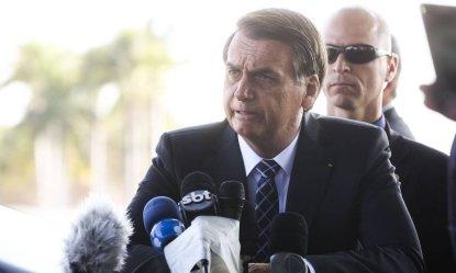Image result for Bolsonaro diz que está para estourar falsa acusação contra pessoa próxima a ele