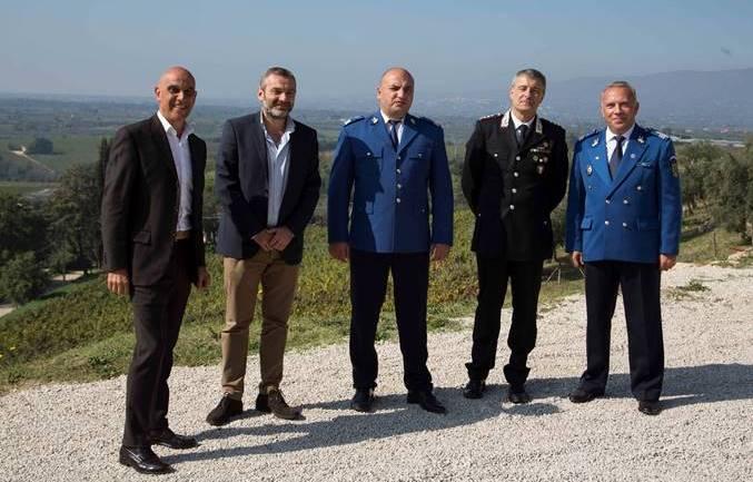 Tutela e sviluppo dell'agricoltura sostenibile, la Gendarmeria Forestale rumena in visita all'Azienda Agricola Marco Carpineti di Cori