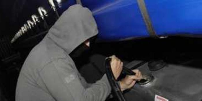 Latina. I Carabinieri inseguono sulla Pontina ladri di gasolio