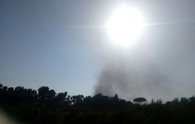 Latina. Esplosione e incendio nel campeggio di via Palmarola