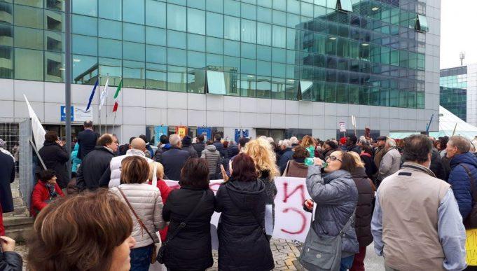Latina. Protesta dei cittadini contro la Asl per la chiusura dei PPI