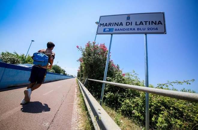 """Latina, spiaggia riservata ai """"cani"""""""