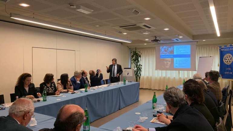 """Il """"Rotary Club Latina"""" punta sulla formazione di professionisti e imprenditori"""