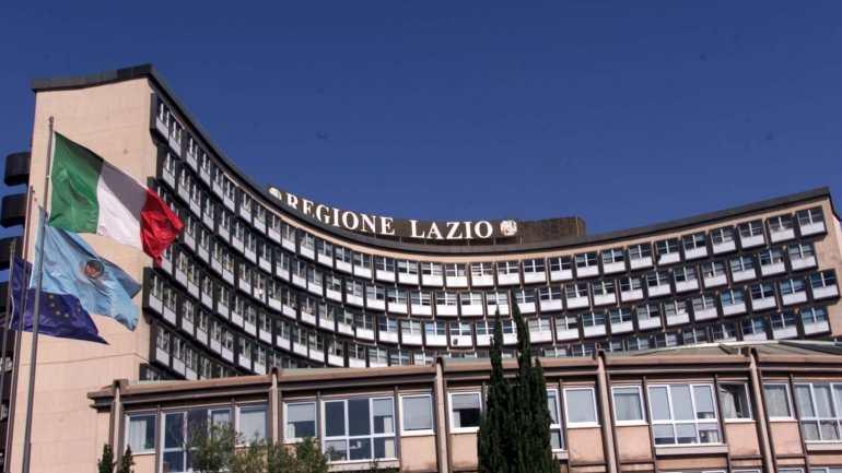 """Regione, le scuole del Lazio diventeranno """"Plastic Free"""""""