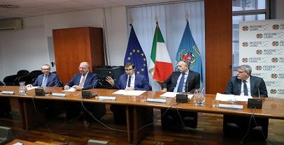 Regione. Firmato il protocollo per la riduzione dei rifiuti e il contrasto allo spreco alimentare