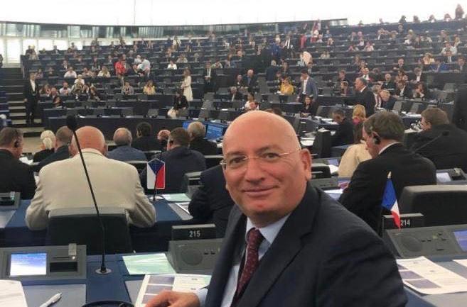 A Strasburgo la Lega impedisce con il voto la riapertura dei porti e l'affidamento degli immigrati alle Ong