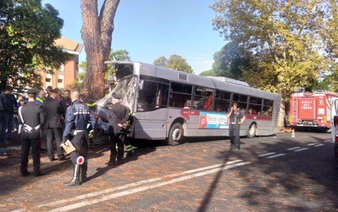 Roma. Incidente autobus:29 feriti tutti tempestivamente soccorsi