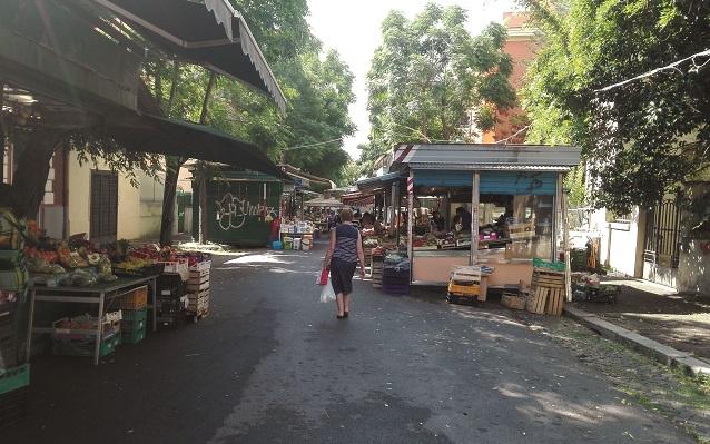 Roma. Il mercato Monteverde non deve chiudere