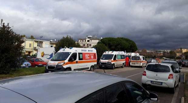 Sanità, ambulanze ferme e caos nei pronto soccorso