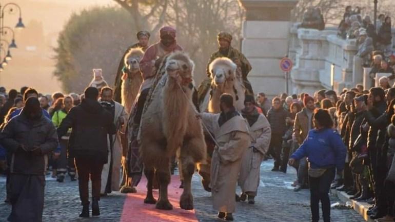 A Cori i Re Magi arrivano a dorso di veri cammelli. Appuntamento per domani 5 gennaio