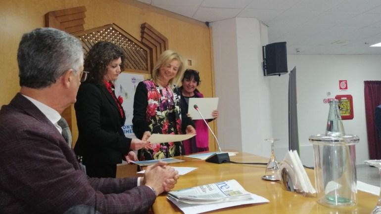 Consegna attestati corso di formazione durante il XXVII° Congresso delle Acli provinciali di Latina.
