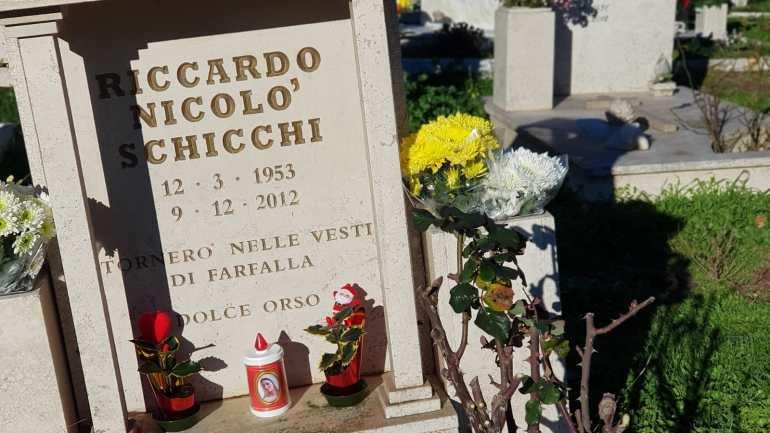 Roma. Degrado al cimitero Laurentino